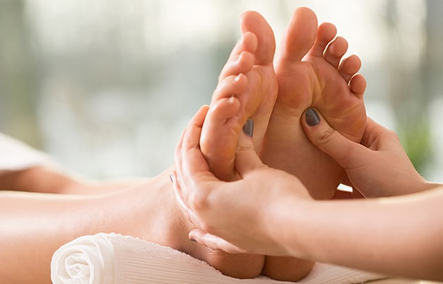 pregnancy reflexology foot massage